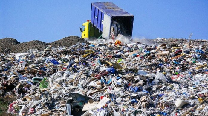 بسبب نفايات إيطاليا.. إقالة المدير العام للوكالة الوطنية للتصرف في النفايات