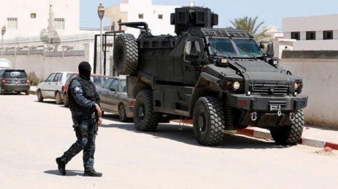 الداخلية تعلن القبض عن إرهابي