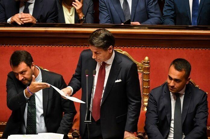 رئيس وزراء إيطاليا يعلن استقالته