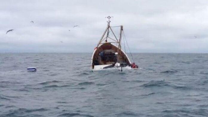 غرق مركب