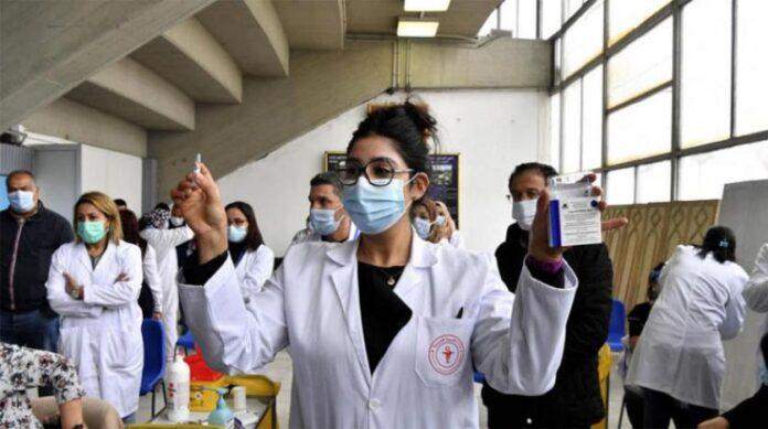 التونسيون بين مؤيد ومعارض لتطعيم كورونا