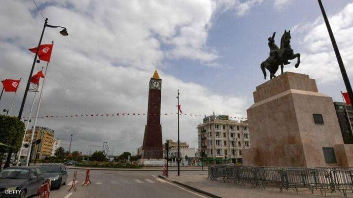 السلطات التونسية تعيد فتح اقتصادها رغم ضغوط المستشفيات
