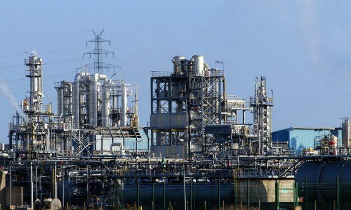 رويال داتش شل تنسحب من أنشطة ضخ البترول في تونس