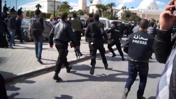 اعتداءات على الصحفيين والأمنيون في صدارة المعتدين