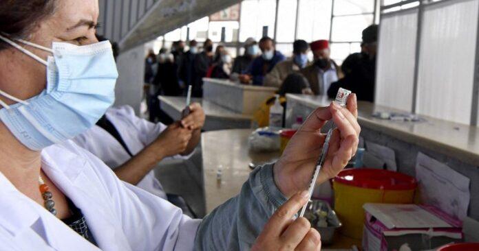 إسبانيا ترسل أول شحنة من مساعدات فيروس كورونا إلى تونس