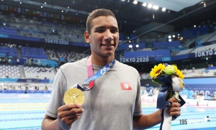 استقبال بطولي للبطل الأولمبي التونسي أحمد حفناوي البالغ من العمر 18 عامًا