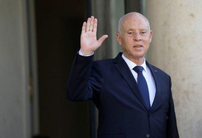 وزير الخارجية المصري: مصر تدعم إجراءات الرئيس التونسي