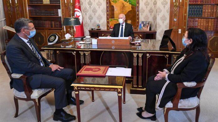 Saïed-Le président Qais Saeed a souligné, mercredi, lors de sa rencontre avec le ministre de l'Intérieur Tawfiq Sharaf El-Din, et le ministre du Commerce et du Développement des exportations Rebhi Hamza, la nécessité de donner la priorité à la lutte contre la spéculation et la hausse des prix.