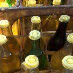 l'huile végétale subventionnée-Face à cette pénurie, les Tunisiens se tournent vers les huiles végétales non subventionnées conditionnées dans des bouteilles en plastique et vendues à plus de 4 dinars/litre, car ils ne peuvent pas acheter d'huile d'olive.