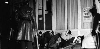 مجزرة الجزائريين في باريس-تطرق معظم المتظاهرين إلى الموضوع في ثمانينيات القرن الماضي ، عندما عاد أبناؤهم من مسيرة للجزائريين من أصل فرنسي (لا جاشر) ، وهي أول مسيرة من أجل المساواة ومكافحة العنصرية. في فرنسا في خريف 1983 يطالبون بإجابات لأسئلتهم.